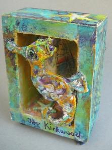 yellow seahorse box 7